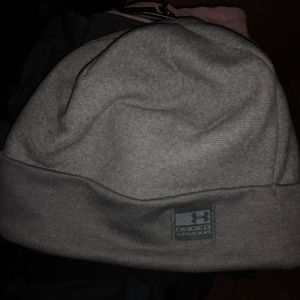New with tAgs under armour winter hat